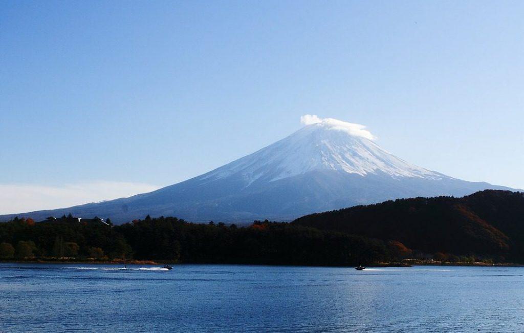 sheba travel_japan tour package_mount fuji_lake kawaguchi